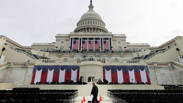 Workers prepare for the inauguration of US President-Elect Donald Trump at the U.S. Capitol in Washington, DC, US, January 19, 2017. - Sputnik International