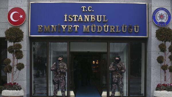 Turkish police officers stand guard at Istanbul Police Department (File) - Sputnik International