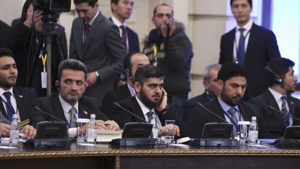 Mohammad Alloush (C), the head of the Syrian opposition delegation, attends Syria peace talks in Astana, Kazakhstan January 23, 2017. - Sputnik International