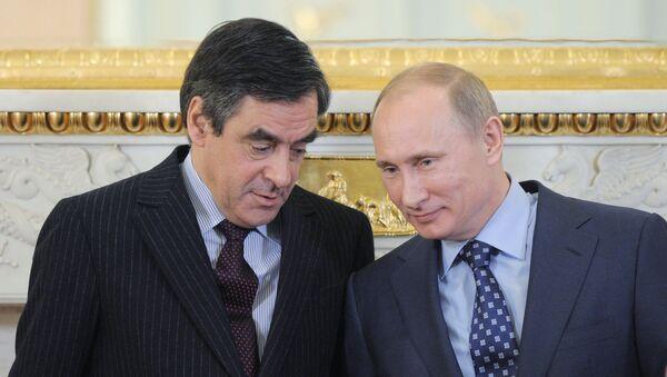 Vladimir Putin and Francois Fillon at joint news conference, Moscow (file) - Sputnik International