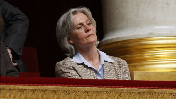 Penelope Fillon, France's Prime Minister Francois Fillon's wife, listens as her husband delivers a speech in front of the newly elected National Assembly outlining his government's priorities in Paris, France, July 3, 2007 - Sputnik International