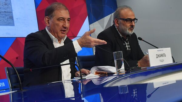 Qadri Jamil, left, chairman of the Syrian opposition's Moscow group, secretary of the People's Will Party and one of the leaders of the Popular Front for Change and Liberation, with Jamal Suleiman, a representative of the Syrian opposition's Cairo group, during a news conference at the Rossiya Segodnya International Multimedia Press Center in Moscow - Sputnik International