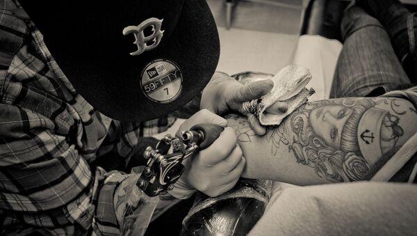 Tattoo artist - Sputnik International