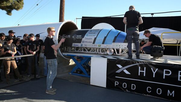 Team members from WARR Hyderloop, Technical University of Munich place their pod on the track during the SpaceX Hyperloop Pod Competition in Hawthorne, Los Angeles, California, U.S., January 29, 2017 - Sputnik International