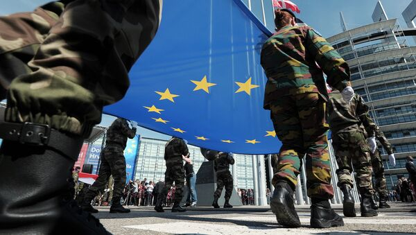 Members of Eurocorps military contingent hold the Europeen flag during a ceremony for Croatia's accession to the European Union on July 1, 2013, in the European Parliament in Strasbourg, eastern France - Sputnik International