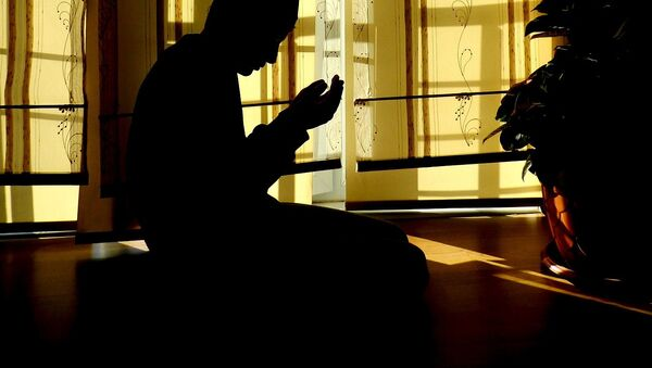 A Muslim praying - Sputnik International