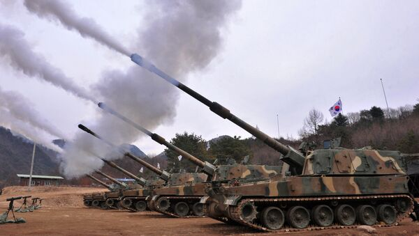 South Korean army K9 Thunder 155mm self-propelled Howitzers fire during a live-fire drill in Pocheon, 65 kms northeast of Seoul - Sputnik International