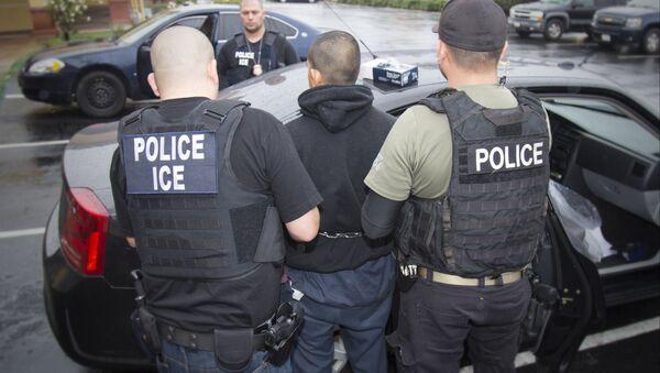 Immigration Raids California - Sputnik International