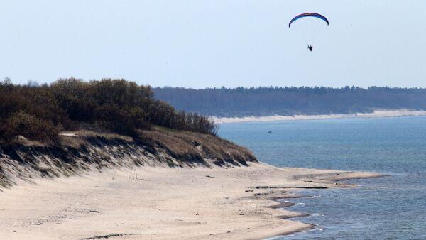 Paragliders patrol on Curonian Spit - Sputnik International