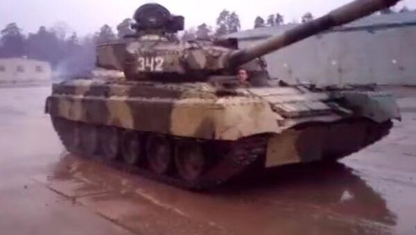 Drift the T-80UD - Sputnik International
