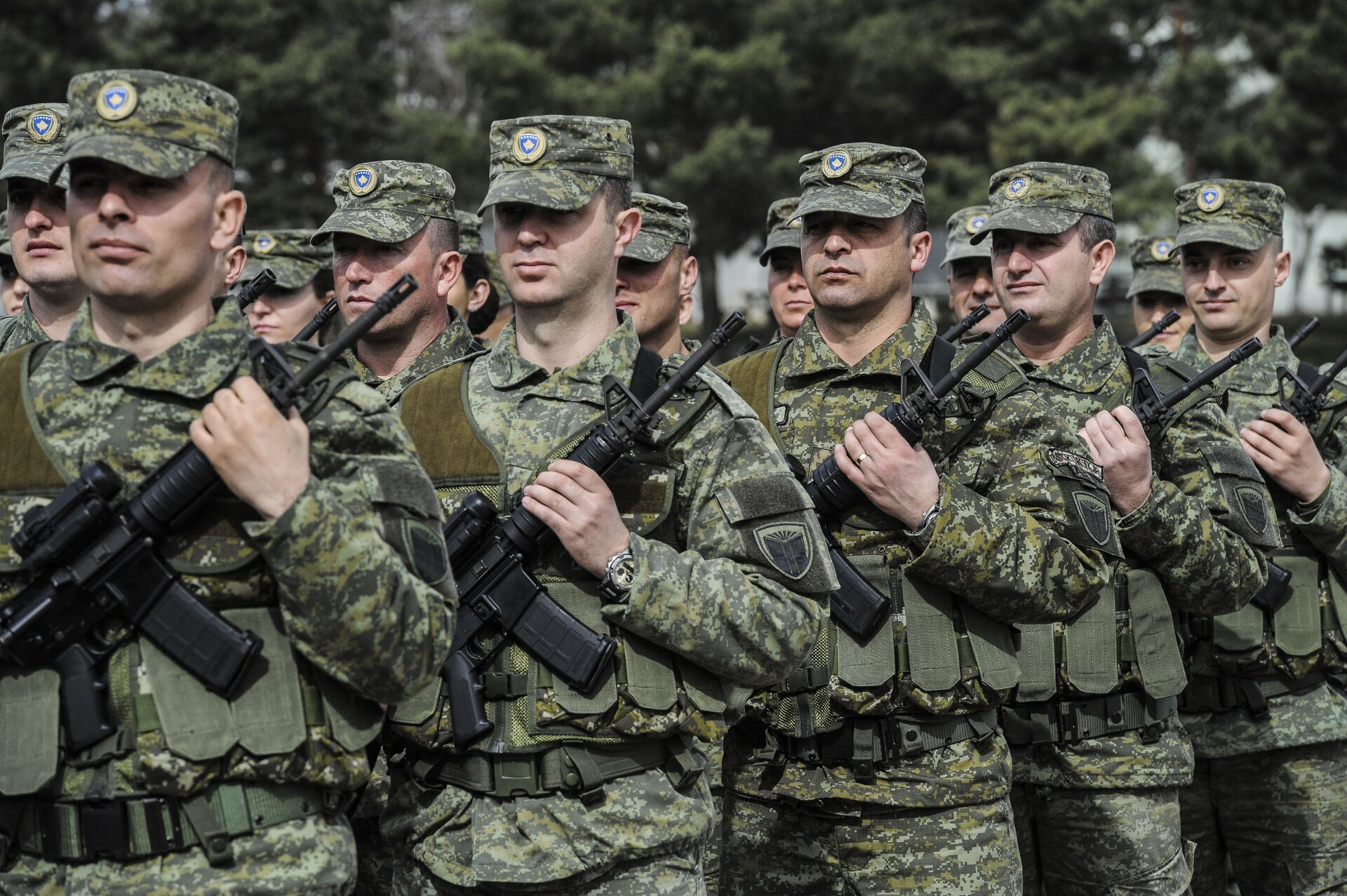 Members of Kosovo Security Force (KSF) attend a ceremony marking the 19th anniversary of Kosovo Liberation Army (KLA) Commander Adem Jashari death, in capital Pristina, Kosovo in this photo taken on Sunday, March 5, 2017 - Sputnik International, 1920, 15.09.2021