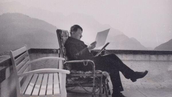 Candid shot of Hitler at the Berghof - Sputnik International