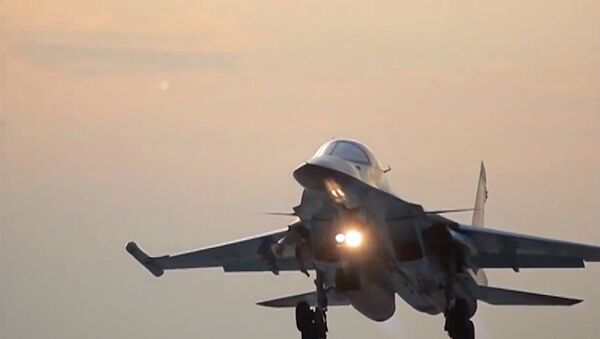 Russia's Sukhoi Su-34 Fullback tactical bomber returns to the Hamadan air base after the air strikes on ISIS sites in Syria. (File) - Sputnik International