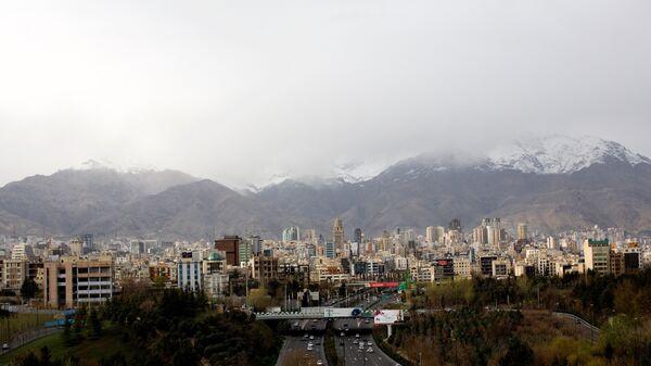 A general view of northern Tehran taken from Tabi'at (Nature) bridge on Modares highway. (File) - Sputnik International