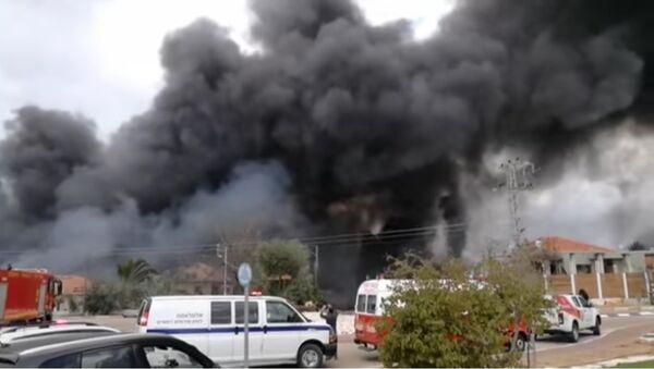 Explosion at an illegal fireworks factory in Israel - Sputnik International