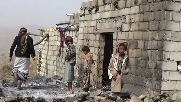 In this February 3, 2017 frame grab from video, residents inspect a house that was damaged during a January 29, 2017 US raid on the tiny village of Yakla, in central Yemen. - Sputnik International
