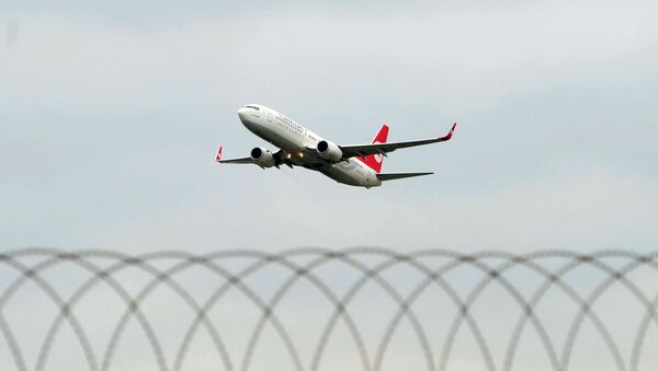 A Turkish Airlines aircraft takes off from Ataturk Airport in Istanbul. - Sputnik International