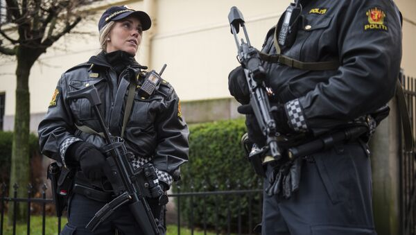 Armed police guard the Nobel institute ahead of a press conference with the Nobel Peace Prize laureates, the Tunisian National Dialogue Quartet in Oslo on December 9, 2015 - Sputnik International