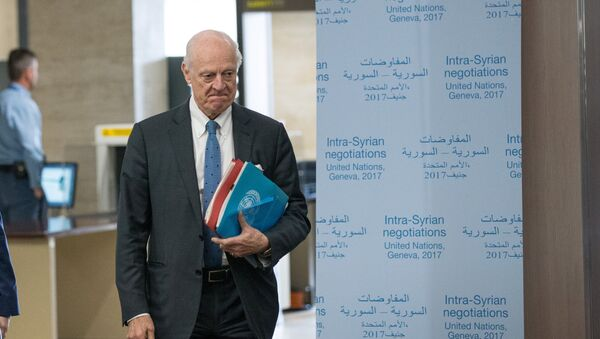 UN Special Envoy for Syria Staffan de Mistura arrives for a meeting of Intra-Syria peace talks with Syria's opposition delegation at Palais des Nations in Geneva, Switzerland, March 25, 2017 - Sputnik International