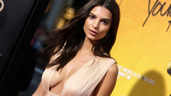 Emily Ratajkowski attends the LA Premiere of We Are Your Friends held at TCL Chinese Theatre on Thursday, Aug. 20, 2015, in Los Angeles. - Sputnik International