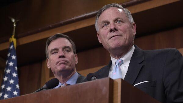 Senators Richard Burr and Mark Warner - Sputnik International
