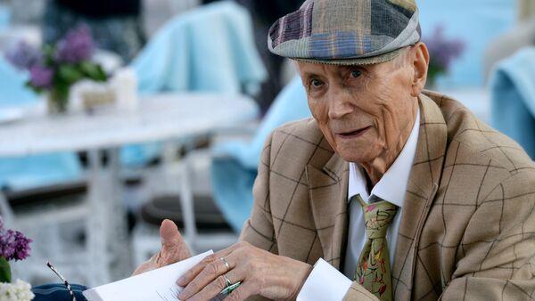 Poet Yevgeny Yevtushenko. File photo - Sputnik International