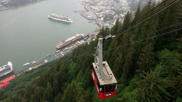 Mount Roberts Tramway offers an aerial view of cruise ships anchored in Juneau, Alaska. - Sputnik International