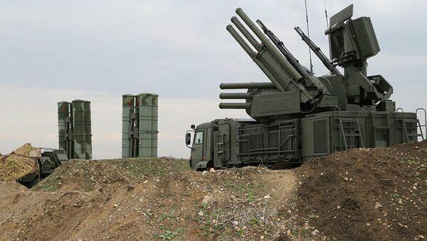 The Pantsir-S1 short-to-medium range gun-missile system at Russian Airbase in Syria - Sputnik International