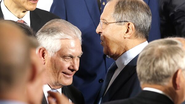 The Russian foreign minister Sergey Lavrov, right, and US Secretary of State Rex Tillerson stand together during the G-20 Foreign Ministers meeting in Bonn, Germany, Thursday, Feb. 16, 2017 - Sputnik International