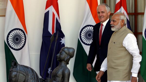 Australia's Prime Minister Malcolm Turnbull (L) and his Indian counterpart Narendra Modi arrive for a photo opportunity ahead of their meeting at Hyderabad House in New Delhi, India April 10, 2017 - Sputnik International