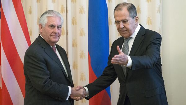 US Secretary of State Rex Tillerson and Russian Foreign Minister Sergey Lavrov, shakes hands prior to their talks in Moscow, Russia, Thursday, April 12, 2017 - Sputnik International
