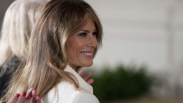 U.S. first lady Melania Trump smiles as she is recognized by President Donald Trump - Sputnik International