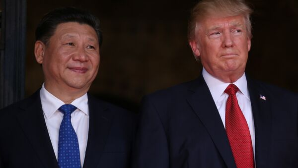 US President Donald Trump welcomes Chinese President Xi Jinping at Mar-a-Lago state in Palm Beach, Florida, US, April 6, 2017. - Sputnik International