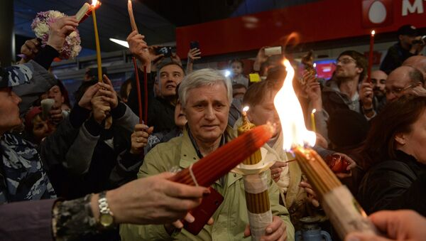 Believers at the ceremony to meet the Holy Fire at Vnukovo airport. (File) - Sputnik International
