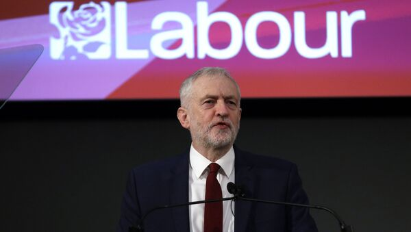 Leader of the opposition Labour Party Jeremy Corbyn delivers a speech laying out the plan for the party following the Brexit vote in June 2016, in London, February 24, 2017. - Sputnik International