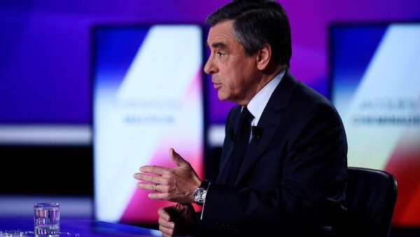 Francois Fillon, member of the Republicans political party and 2017 French presidential election candidate of the French centre-right, attends the France 2 television special prime time political show, 15min to Convince in Saint-Cloud, near Paris, France, April 20, 2017. - Sputnik International