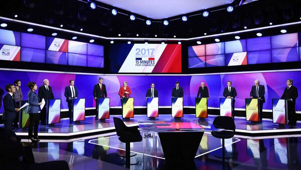 The eleven French presidential election candidates take part in a special political television show entitled 15min to Convince at the studios of French Television channel France 2 in Saint-Cloud, near Paris, April 20, 2017. - Sputnik International