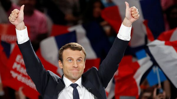 Emmanuel Macron, head of the political movement En Marche !, or Onwards !, and candidate for the 2017 French presidential election, attends a campaign political rally at the AccorHotels Arena in Paris, France, April 17, 2017. - Sputnik International