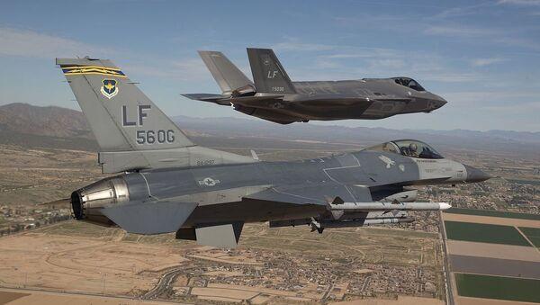 F-16 and F-35 - Sputnik International