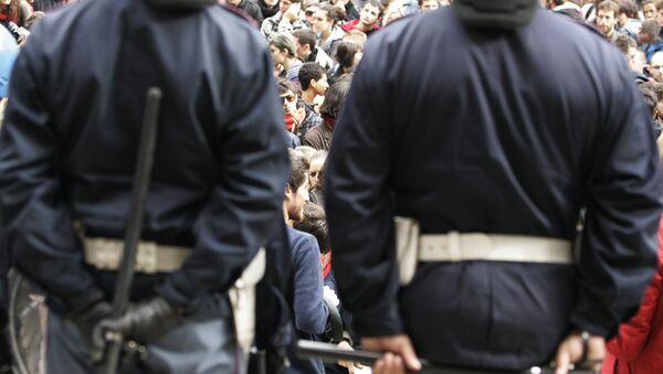 Italian policemen. (File) - Sputnik International
