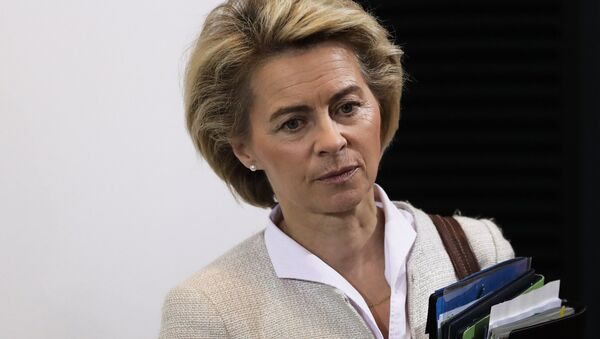 German Defense Minister Ursula von der Leyen arrives for the weekly cabinet meeting of the German government at the chancellery in Berlin, Wednesday, Nov. 30, 2016. - Sputnik International