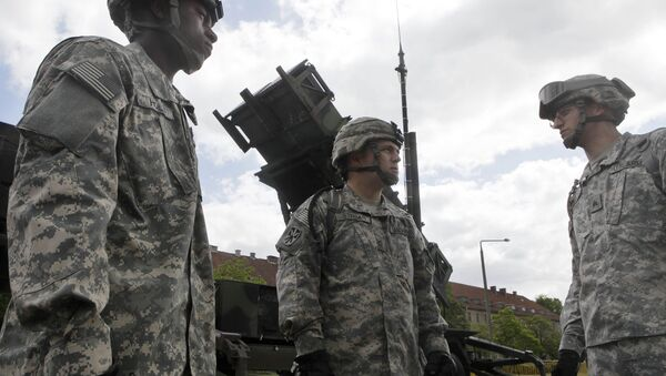U.S. soldiers stands next to a Patriot surface-to-air missile battery. (File) - Sputnik International