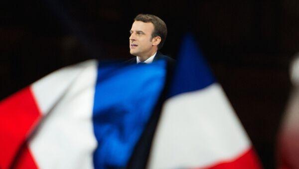 Лидер движения En Marche Эммануэль Макрон, победивший на президентских выборах во Франции, во время своей победной речи перед Лувром в Париже - Sputnik International