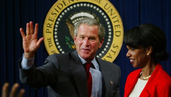 President Bush waves to urban leaders after finishing his speech at the Eisenhower Executive Office Building Tuesday, July 16, 2003 in Washington - Sputnik International