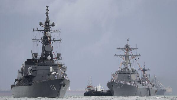 Japan's destroyer JS Sazanami, left, the United State's Arleigh Burke-class guided missile destroyer USS Sterett, center, and South Korean destroyer ROKS Dae Jo Yeong, right rear. - Sputnik International