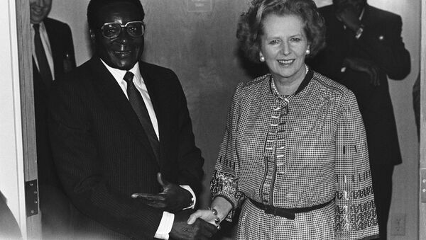 Prime Minister Margaret Thatcher of Great Britain meets with President Robert Mugabe of Zimbabwe in Nassau, Friday, Oct. 18, 1985 before the morning session of the Commonwealth Heads of Government Meeting. - Sputnik International