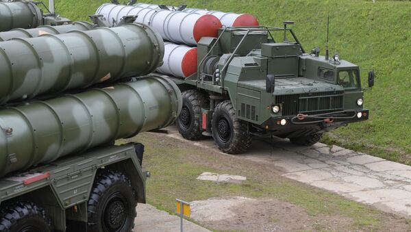 S-400 Triumf anti-aircraft weapon systems during combat duty drills of the surface to air-misile regiment in the Moscow Region. - Sputnik International