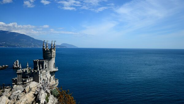 Swallow's Nest is a monument of architecture on top of the Aurora Cliff overlooking the Cape of Ai-Todor in Yalta, the Crimea. (File) - Sputnik International