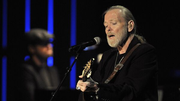 This Oct. 13, 2011 file photo shows Gregg Allman performs at the Americana Music Association awards show in Nashville, Tenn - Sputnik International