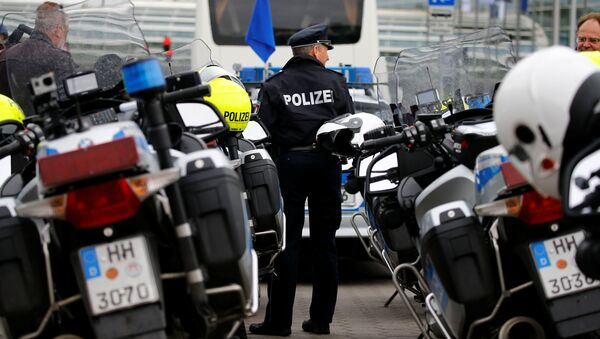 Hamburg Police motorcycles are seen during an exercise on safely transporting official guests prior to G20 in Hamburg, May 10, 2017 - Sputnik International